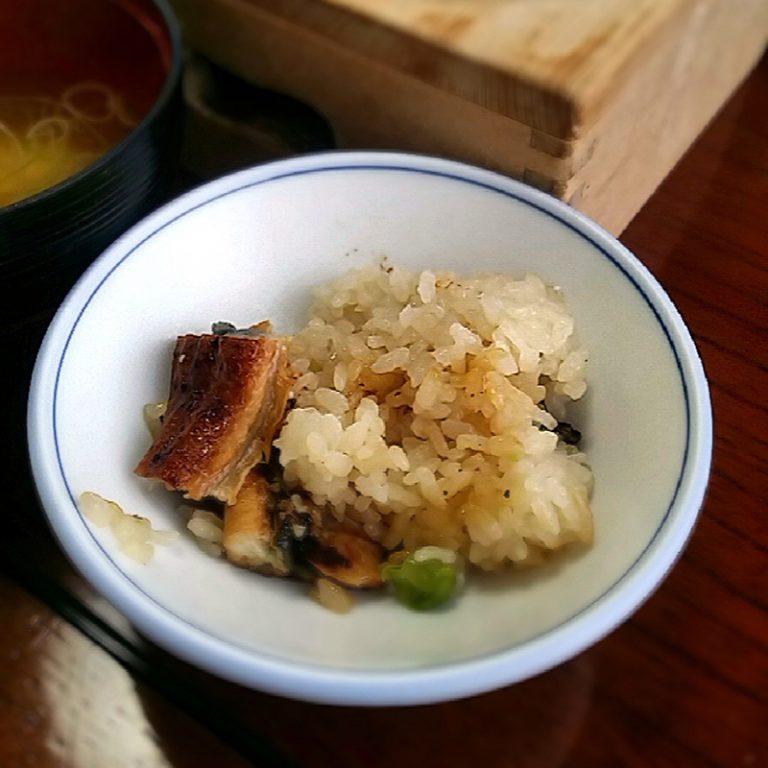 連休2日目の昼は釜飯「しょう亭」>>>うなぎ釜飯、最高でした。